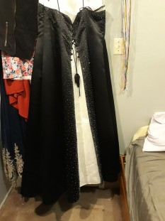 20W black and white gown