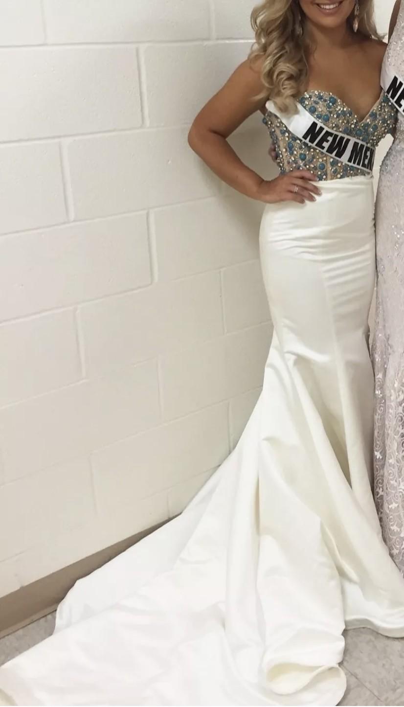 Ashley Lauren White Long Dress size 2