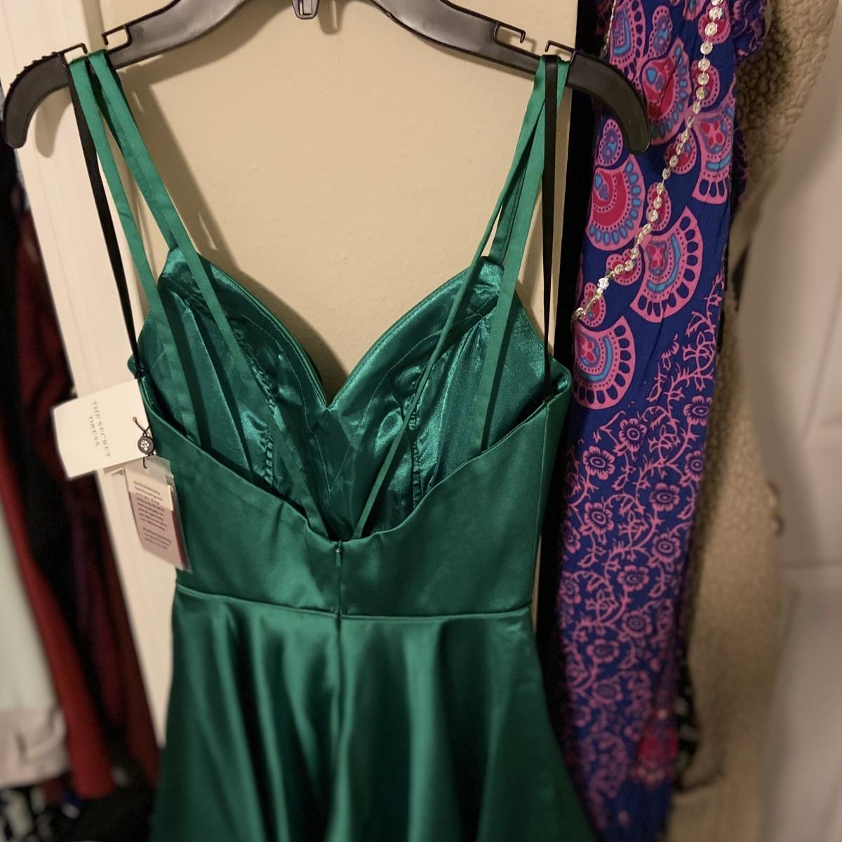 Emerald green satin/silk cocktail dress NWT