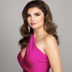 Nicole Samia