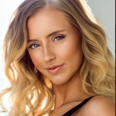 Alicia Van S