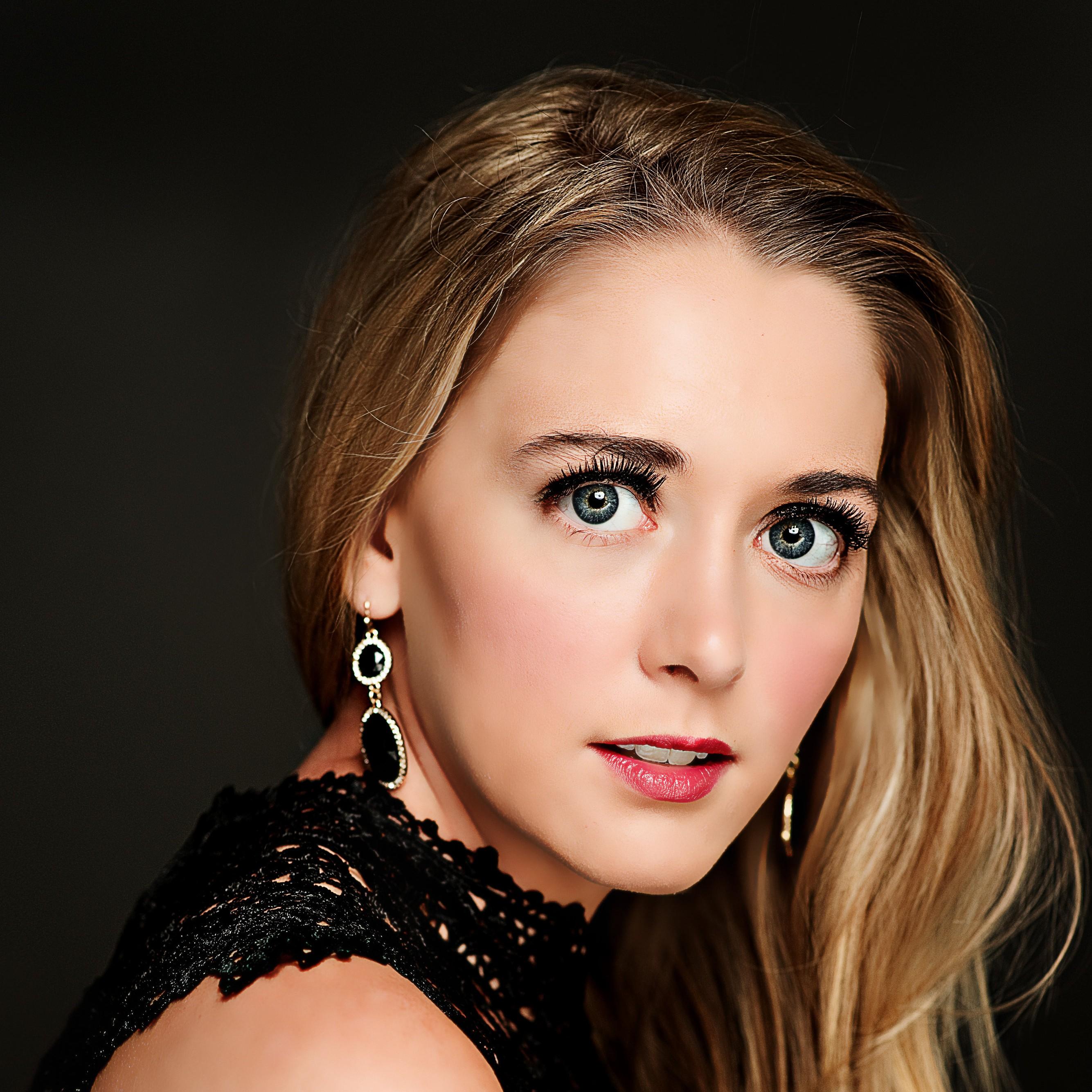 Victoria Kroencke
