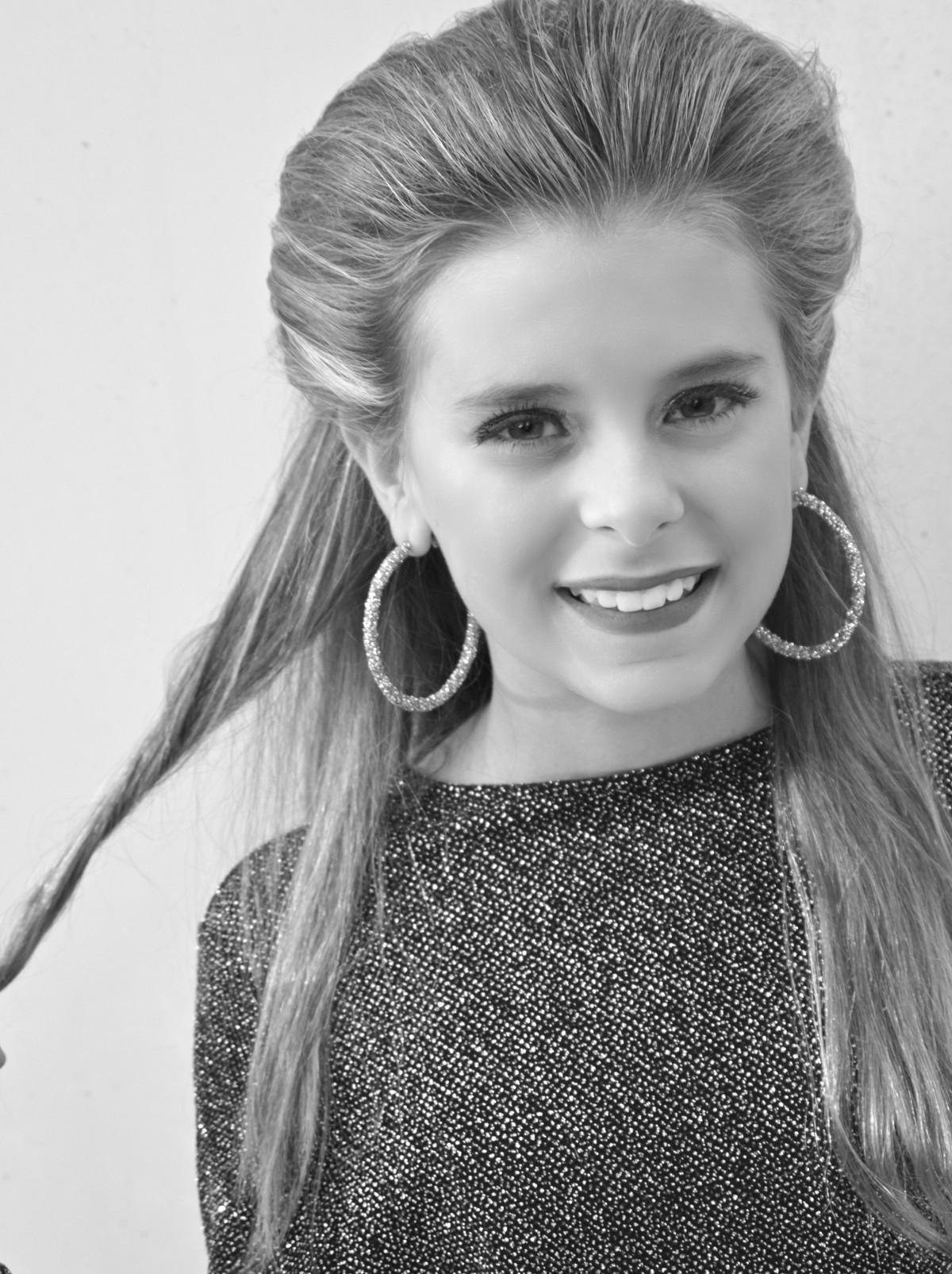 Bella Cosner