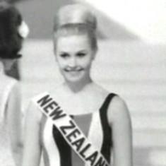 Elaine Miscall